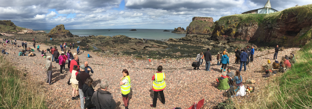 Dunbar Beach on the European stone stacking championships 2018